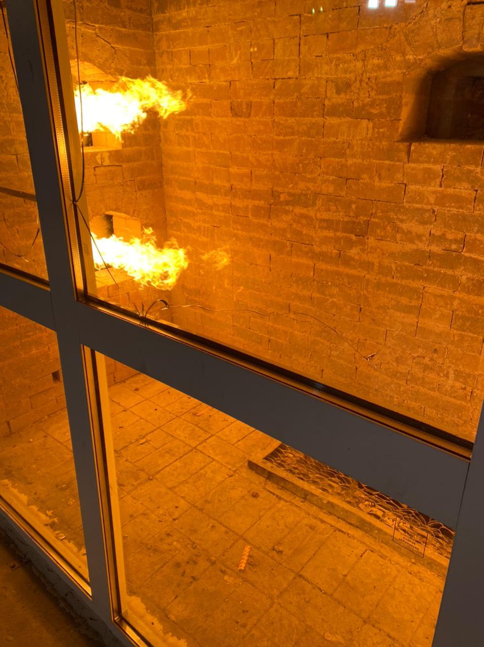 Противопожарные окна, двери, перегородки, витражи
